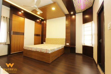 Canadian walnut wooden theme master bedroom