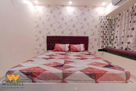 Chic and classy bed striking a balance