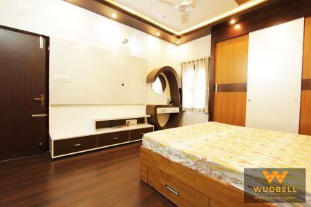 Merino MR+ glossy white bedroom tv unit